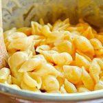 Jemná univerzální sýrová omáčka na těstoviny