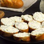 Pomazánka ze smetanového sýra a čerstvých bylinek