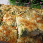 Slaný koláč s brokolicí a paprikou
