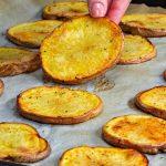Domácí pečené bramborové chipsy