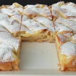 Nadýchaný jablečný koláč s pudinkovou náplní